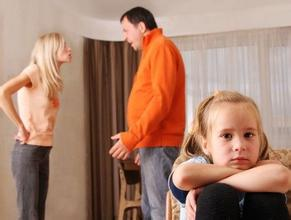 做孩子的榜样,父母不该让孩子看的的四大恶习!