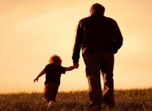 父母必读:八位父亲写给孩子的话,引人深思……