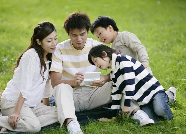 合格父母应当懂得怎样培养一个心理阳光的孩子