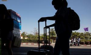 孩子出国游学不文明行为 家庭教育不当是祸根
