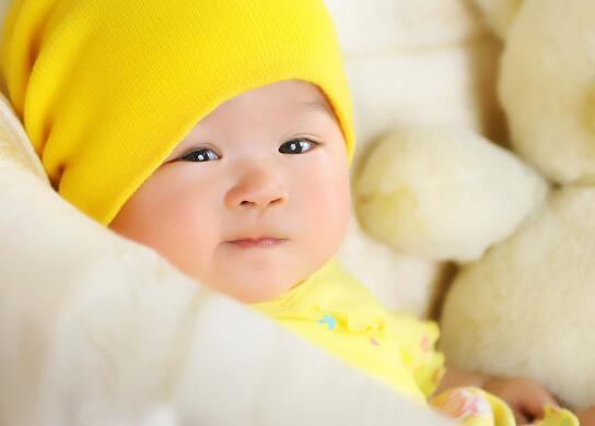 育儿指南:宝宝汗水多了 钙是否会大量流失?