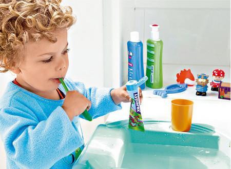宝宝刷牙学问大:父母如何让孩子爱上刷牙?