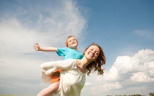 美国父母如何惩罚孩子  不打不骂效果更好?