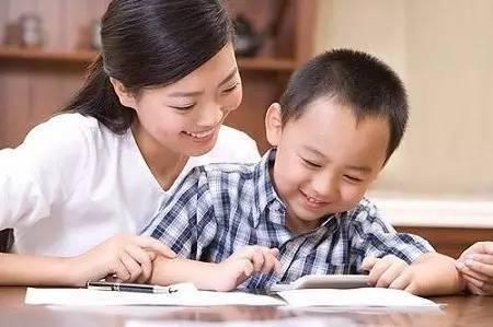 经家庭教育现状发现,陪孩子写作业的父母只占七成