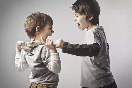 孩子被打以暴制暴不利于成长 家长不要教孩子打回去