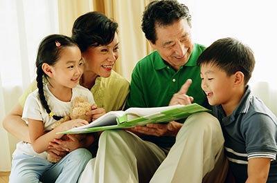 对孩子间接式的批评教育有时比直接批评更有效